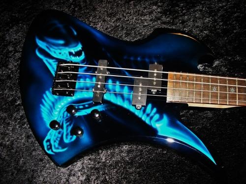 Alien Mockingbird Bass Airbrush By Steve Custom Guitar Works
