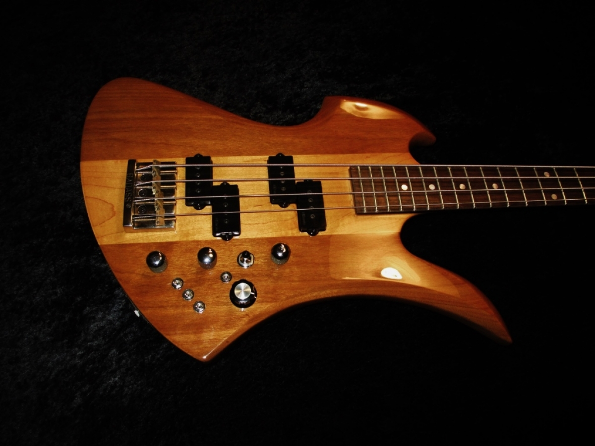 BC Rich Mockingbird Bass
